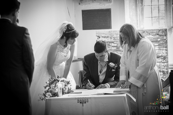 Gloucestershire-Wedding-Photographer-14