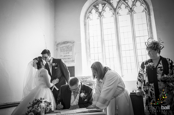 Gloucestershire-Wedding-Photographer-16