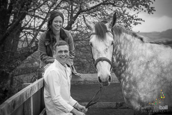Pre-wedding equine shoot